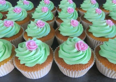 Cupcakes with edible Rose