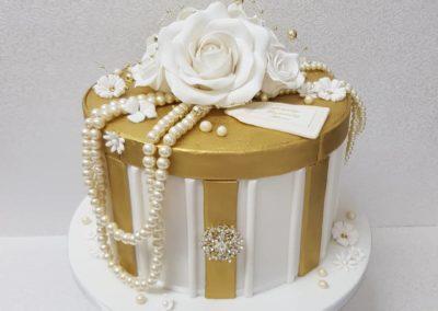 Gift Box & Pearls